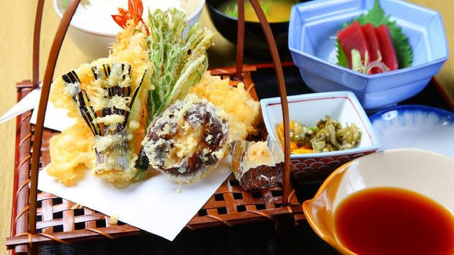 Terong juga enak diolah sebagai lauk seperti terong bakar atau terong goreng tepung alias tempura terong. Berikut resepnya.