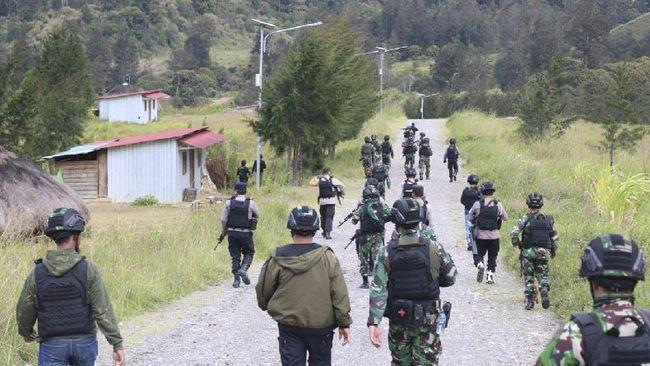 Aparat TNI-Polri terlibat kontak tembak senjata dengan Kelompok Kriminal Bersenjata (KKB) di Ilaga, Kabupaten Puncak, Papua pada hari ini, Kamis (13/5).