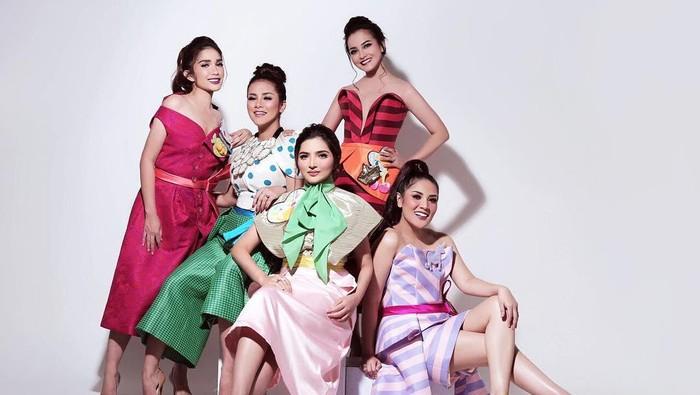Potret Persahabatan Geng Artis Nindy Ayunda, Tampil Modis dan Glamor!