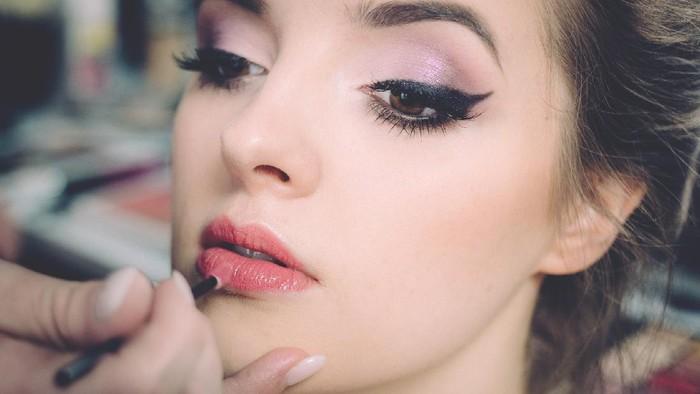 Rekomendasi Beauty Vlogger yang Cocok untuk Belajar Makeup