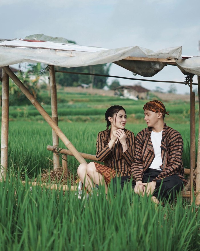 Nella Kharisma dan Dory Harsa resmi menikah pada 15 Agustus 2020 di Kediri, Jawa Timur. (foto: instagram.com/nellakharisma)