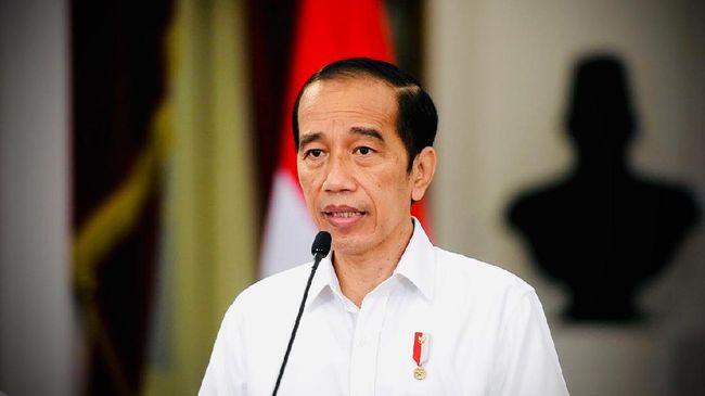 Presiden Jokowi membolehkan pedagang kaki lima dan usaha kecil lainnya buka dan melayani pengunjung mulai 26 Juli hingga 2 Agustus.