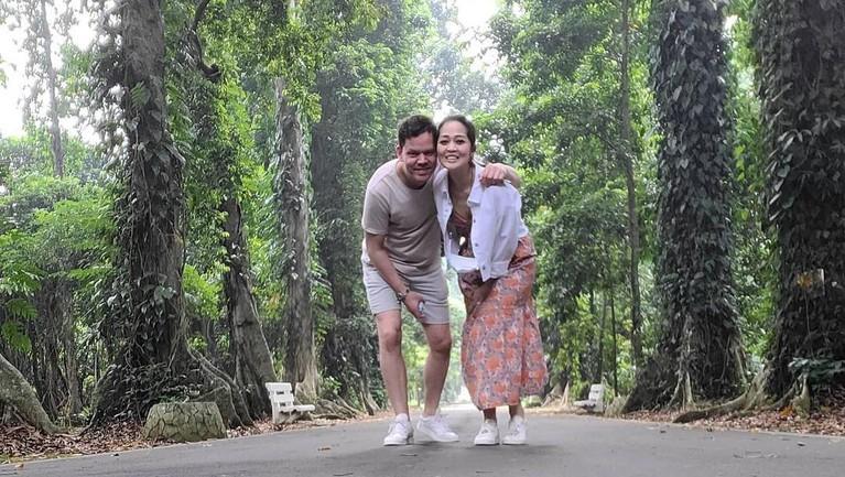 Gracia Indri dan Kekasih Bule