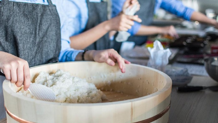 Makan Nasi Bikin Gemuk Beneran, ya? Simak 4 Faktanya!