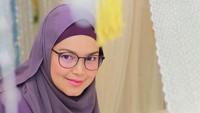 <p>Siti Nurhaliza baru saja dikaruniai anak kedua yang diberi nama Muhammad Afwa. Putra Siti ini lahir lahir pada 19 April 2021. (Foto: Instagram @ctdk)</p>
