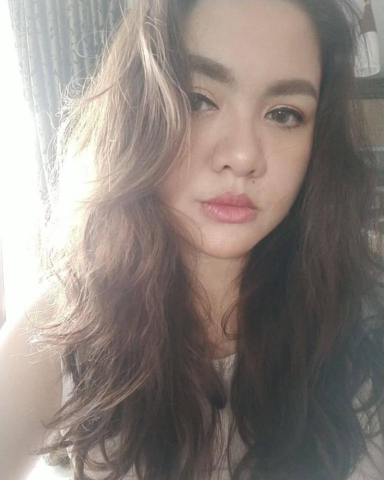 Usai melahirkan anak kedua Vicky Shu tampil berbeda dengan tubuh yang semakin berisi. Yuk kita intip bagaimana tampilan Vicky Shu sekarang!