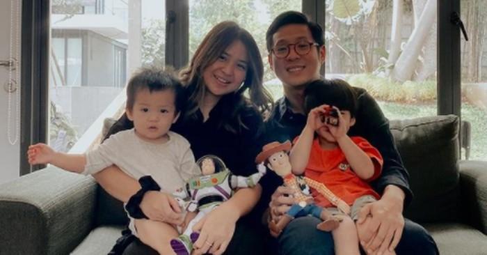 Aktor Junior Liem juga memutuskan menjadi seorang mualaf ketika menikahi Putri Titian pada tahun 2016 / foto: instagram.com/juniorliem