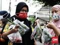 FOTO: Saling Bantu Warga di Ramadan Lewat Bazar Sayur Gratis