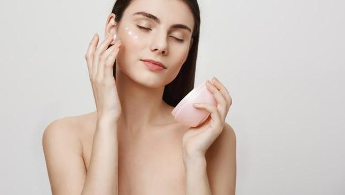 5 Aturan Layering Skincare yang Harus Kamu Ketahui!