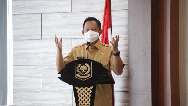 Mendagri Muhammad Tito Karnavian meminta kepala daerah tegas melarang pejabat dan ASN melakukan pembatasan buka puasa bersama serta melarang open house Lebaran.