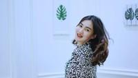 <p>Nella Kharisma sempat menutupi kehamilannya selama 6 bulan. Hal itu ia lakukan karena mengikuti anjuran orang tua serta adat Jawa. (Foto: Instagram: @nellakharisma)</p>