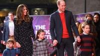 <p>Berikut potretKate Middleton, Pangeran William, dan ketiga anaknyasaat bergandengan untuk menghadiri sebuah acara, Bunda. (Foto: Instagram @kensingtonroyal)</p>