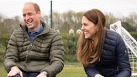 <p>Happy Wedding Anniversary ke-10 untuk keduanya. Kita doakan semoga keluargaPangeran William dan Kate Middleton selalu bisa menjadi panutan ya, Bunda.(Foto: Instagram @kensingtonroyal)</p>