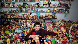 Pria Usia 50 Catat Rekor Dunia Berkat Mainan Hadiah Restoran