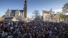 FOTO: Perayaan Hari Raja Belanda Abaikan Prokes Corona