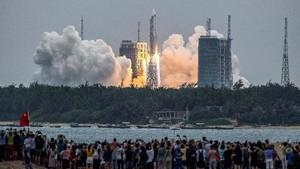 FOTO: Modul Stasiun Luar Angkasa China Meluncur ke Orbit