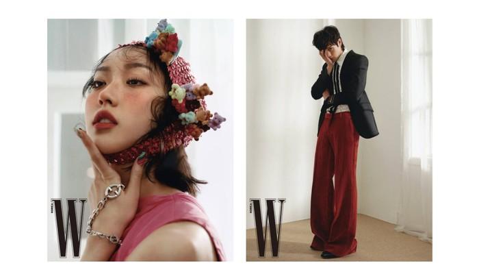 Menonjolkan kelebihan masing-masing. Han Ji Hyun dengan fitur wajahnya yang unik dibingkai dengan topi rajut merah muda, sedangkan Kim Young Dae dengan kaki panjangnya yang dibalut oleh celana beludru merah, keduanya tampak menawan / foto: wkorea.com