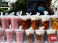 FOTO: Pedagang Takjil Sepi Pembeli Gara-gara Pandemi