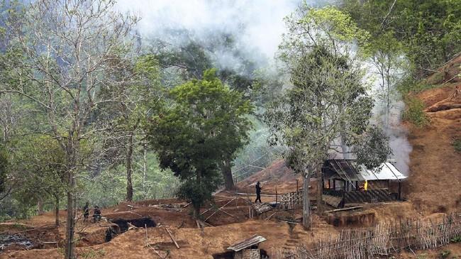 Buru Militan, Tentara Myanmar Serang Permukiman Warga