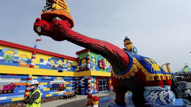 Taman hiburan Legoland New York rencananya akan dibuka pada musim panas tahun ini.