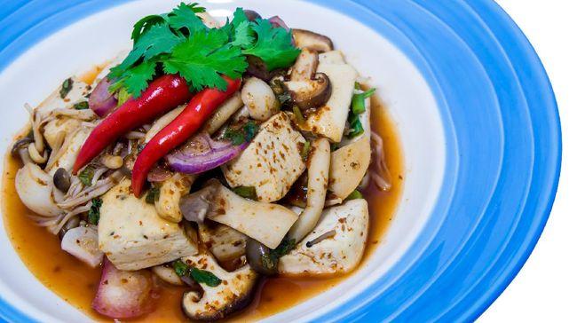 Jangan sampai Anda kehabisan ide membuat menu untuk sahur yang sehat dan lezat. Anda bisa mencoba resep praktis sahur: cah jamur tahu.