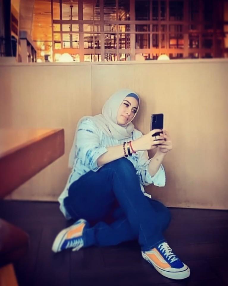 Jane Shalimar membuat heboh publik lantaran beredar fotonya tanpa menggunakan hijab. Yuk kita lihat potret Jane!