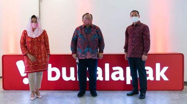 Pemegang saham PT Bukalapak.com mengangkat mantan menteri riset dan teknologi Bambang Brodjonegoro sebagai Komisaris Utama dan Yenny Wahid sebagai Komisaris.