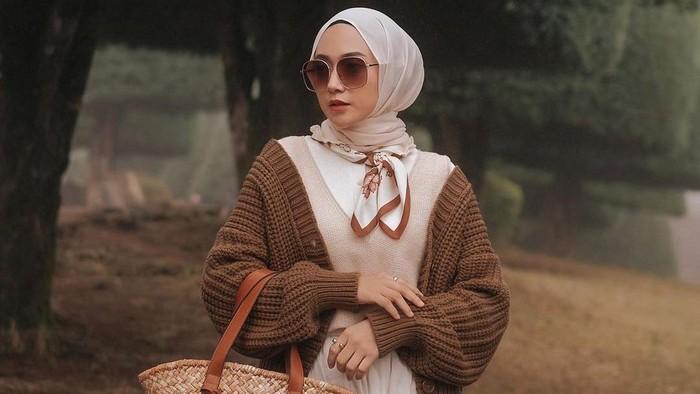 Jenis Bahan Hijab yang Cocok untuk Berbagai Situasi