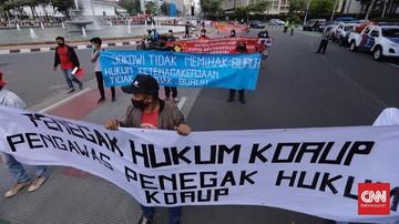 Sebanyak 97 orang ditangkap saat aksi peringatan Hari Buruh Internasional di kawasan Patung Kuda serta Kantor Organisasi Buruh Internasional, Jakarta Pusat.