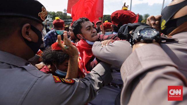 Polisi menangkap para peserta aksi Hari Buruh pada Sabtu lalu. Beberapa sudah dibebaskan, tetapi masih ada peserta aksi yang ditahan.
