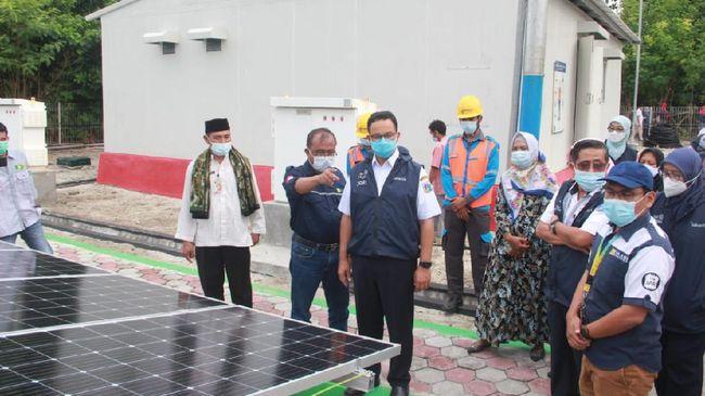 Gubernur Provinsi DKI Jakarta Anies Baswedan beserta jajarannya meninjau Pulau Sabira pada Jumat (30/4).