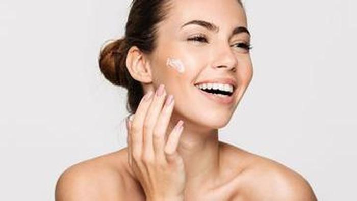 5 Dampak Buruk Jika Kamu Berhenti Menggunakan Skincare