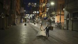 FOTO: Lonjakan Corona Paksa Turki Lockdown