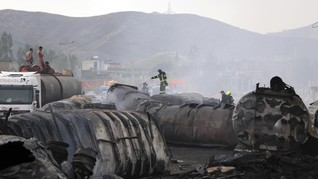 FOTO: Ledakan Tangki BBM di Afghanistan, 7 Orang Tewas