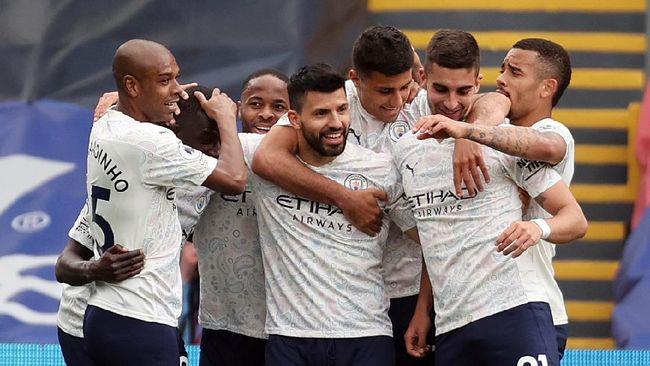 Kebangkitan Man City setelah terpuruk di awal musim tidak terlepas dari pertemuan antarpemain yang digagas Fernandinho pada awal 2021.