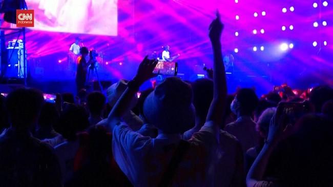 VIDEO: Wuhan Gelar Festival Musik, Ribuan Orang Datang