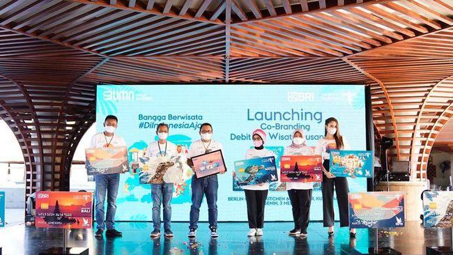 BRI bersinergi dengan Kemenparekraf meluncurkan Co-branding Debit BRI Wisata Nusantara untuk meningkatkan pemasaran pariwisata dan ekonomi kreatif