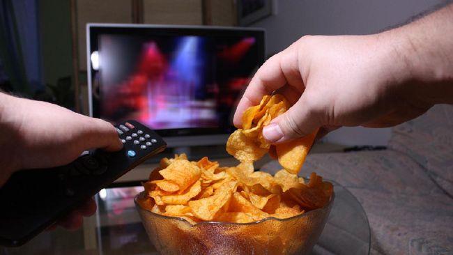 Tak hanya disebabkan oleh pilihan makanan yang dikonsumsi, perut buncit juga disebabkan oleh kebiasaan dan cara makan.