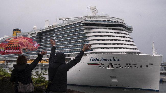 Kapal pesiar Costa Smeralda bak kota terapung. Luasnya sekitar tiga kali lapangan sepakbola.