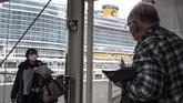 Kapal pesiar raksasa yang dijuluki kota terapung kembali berlayar di perairan Italia pada akhir pekan kemarin.