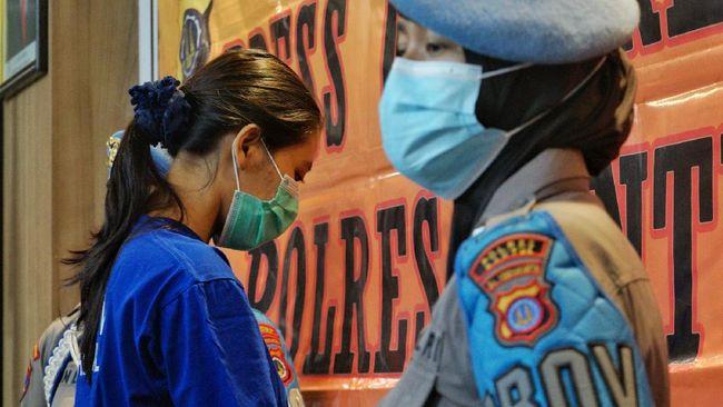 Pengirim sate kandungan sianida merupakan wanita berinisial NA (25) yang kini telah diamankan dan ditetapkan sebagai tersangka oleh pihak kepolisian.