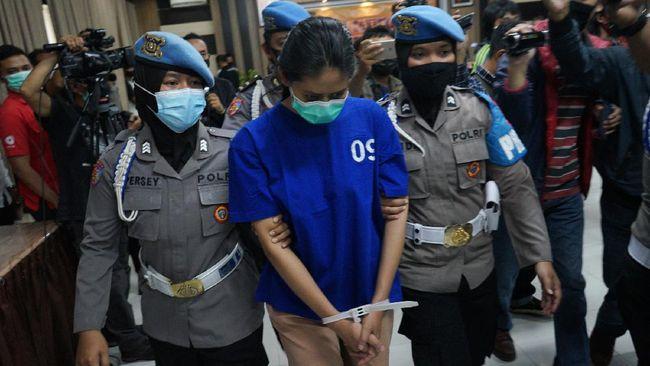NA, perempuan asli Majalengka, mencampur bumbu sate dengan kalium sianida -yang menewaskan anak di Bantul- yang dia beli di Shopee seharga Rp200 ribu.