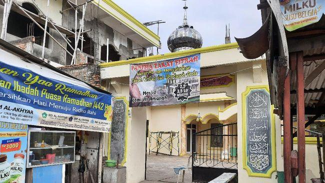 PBNU menyebut salat dengan memakai masker sopan dan sah, tak memakainya saat beribadah di masjid merupakan kesombongan.