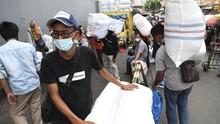 Akhir Pekan Jelang Lebaran, Pasar Tanah Abang Terpantau Ramai