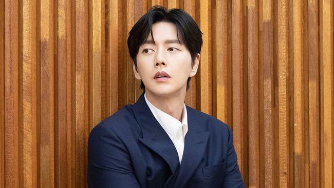 Park Hae-jin akan hadir dalam drama baru bergenre drama komedi romantis berjudul From Now On, Showtime.