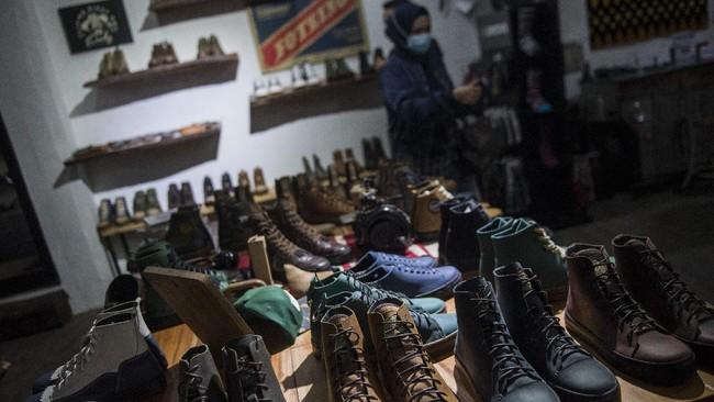 Salah satu sepatu merek lokal yang berasal dari Jawa Barat kini mulai melebarkan sayap hingga pasar internasional.