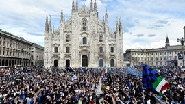 FOTO: Perayaan Juara Inter Milan di Piazza Duomo