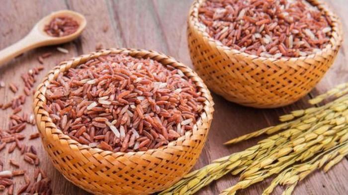 Nasi Merah untuk Diet? Apa Bedanya dengan Nasi Putih?