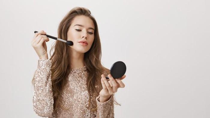 3 Tips Makeup Anti Pucat Selama Puasa
