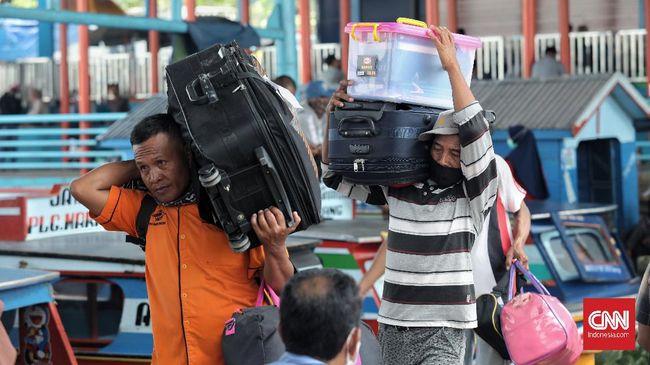 Survei Indikator Politik Indonesia menyatakan 36 juta orang nekat mudik meski sudah ada larangan pemerintah mulai 6-17 Mei 2021.